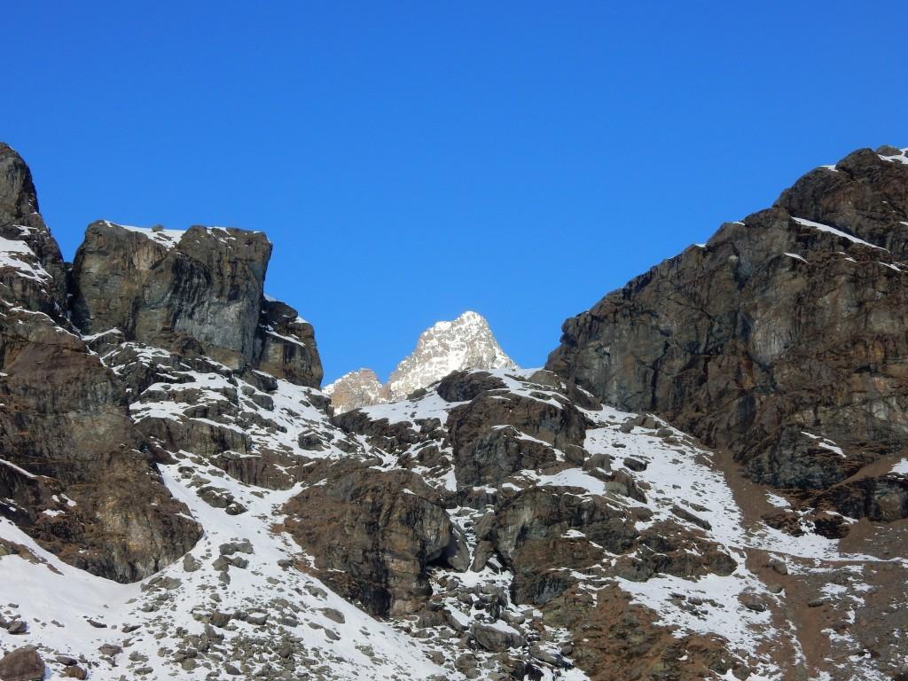 Dalle Rocce dell'Alpetto il Re si affaccia