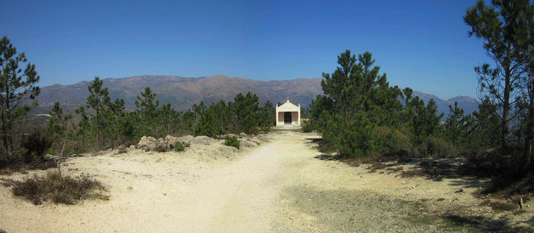 Cappelletta nei pressi del Santuario dove parte il sentiero verso Cogoleto