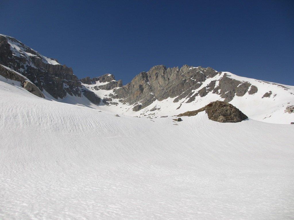 Al centro cima Bozano