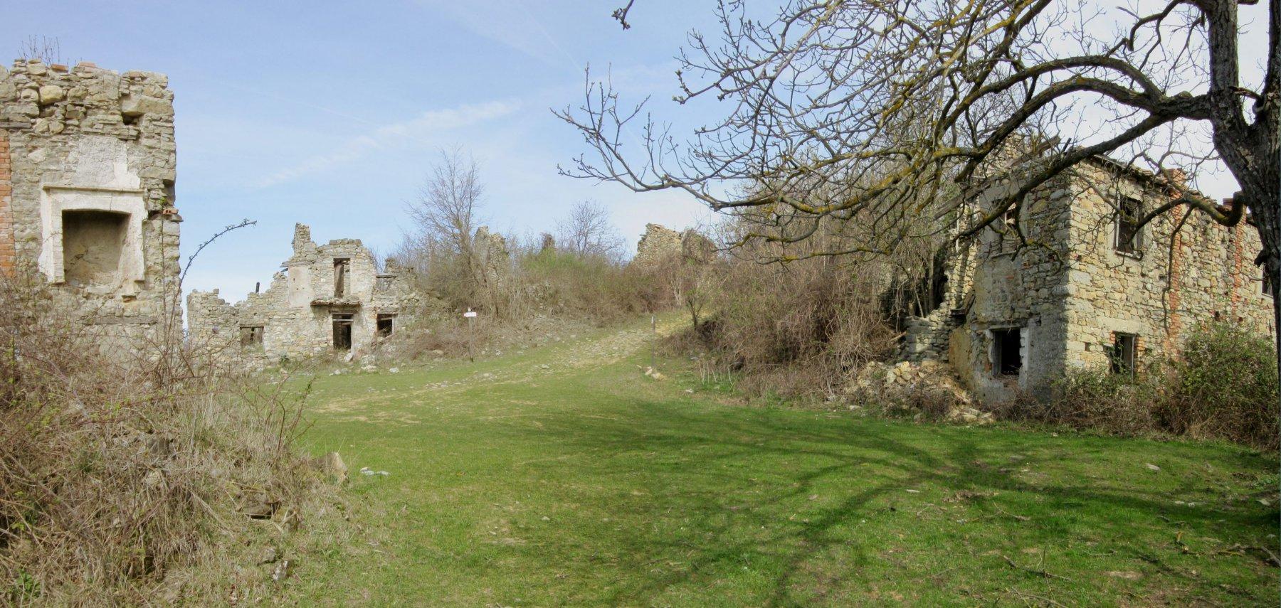 Arrivo al Villaggio abbandonato di Rivarossa