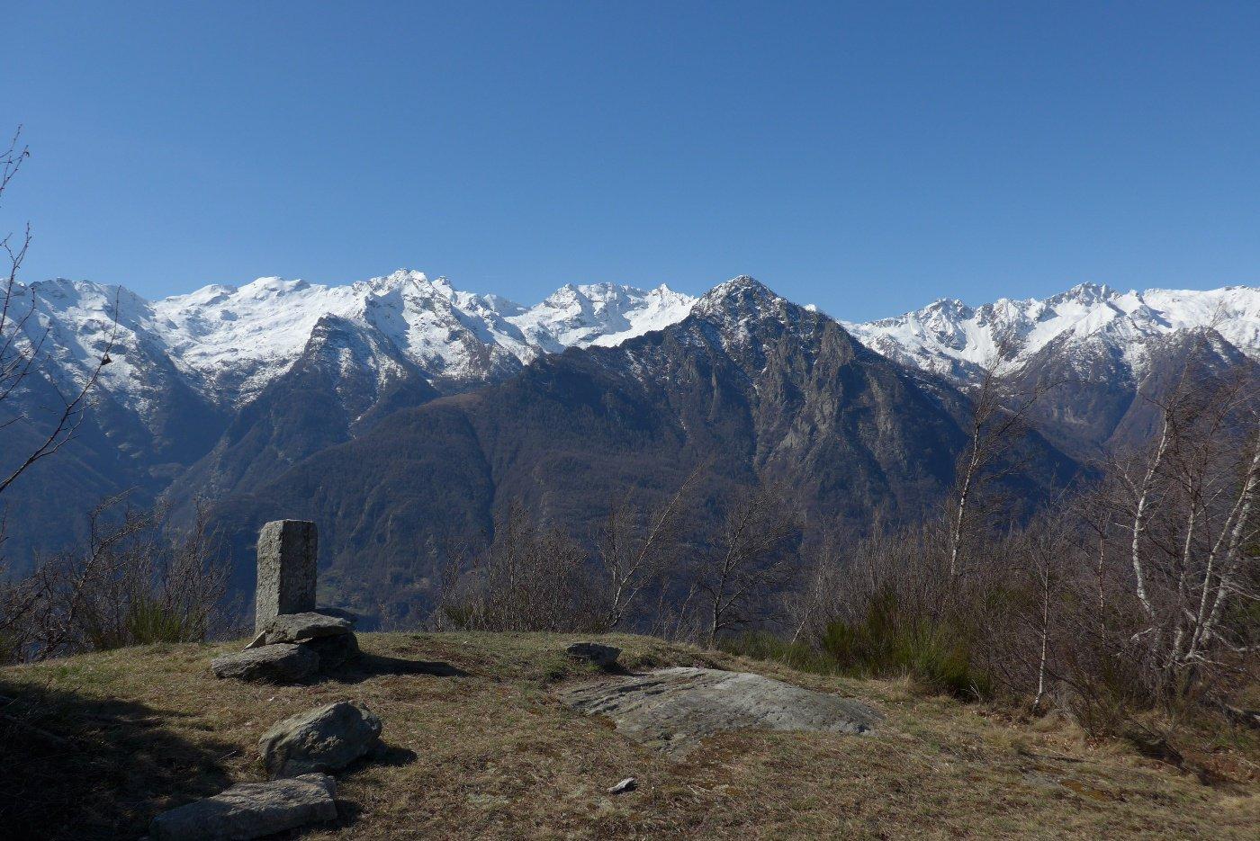 Le cime sull'altro lato della valle