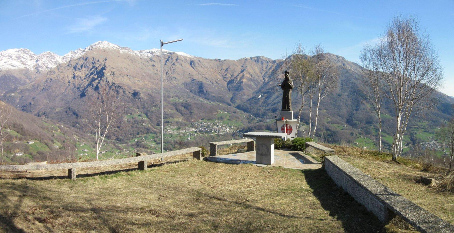 Statua Madonna Nostra Signora della Palestina