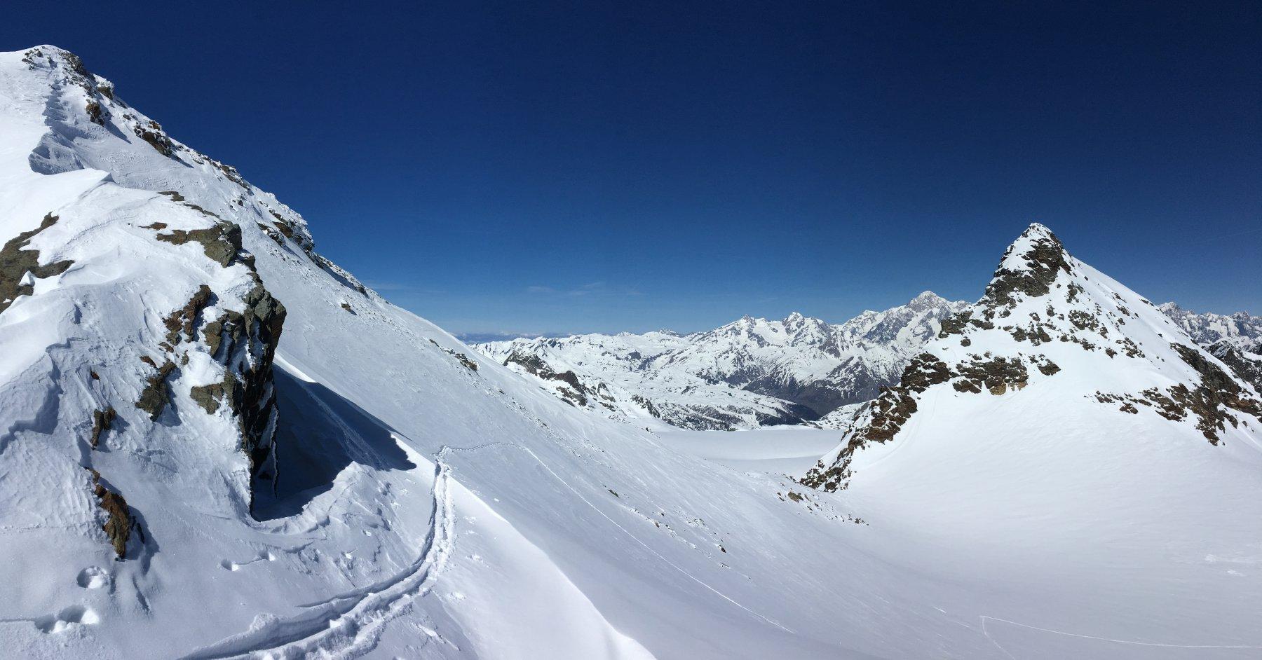 panoramica verso il monte Bianco