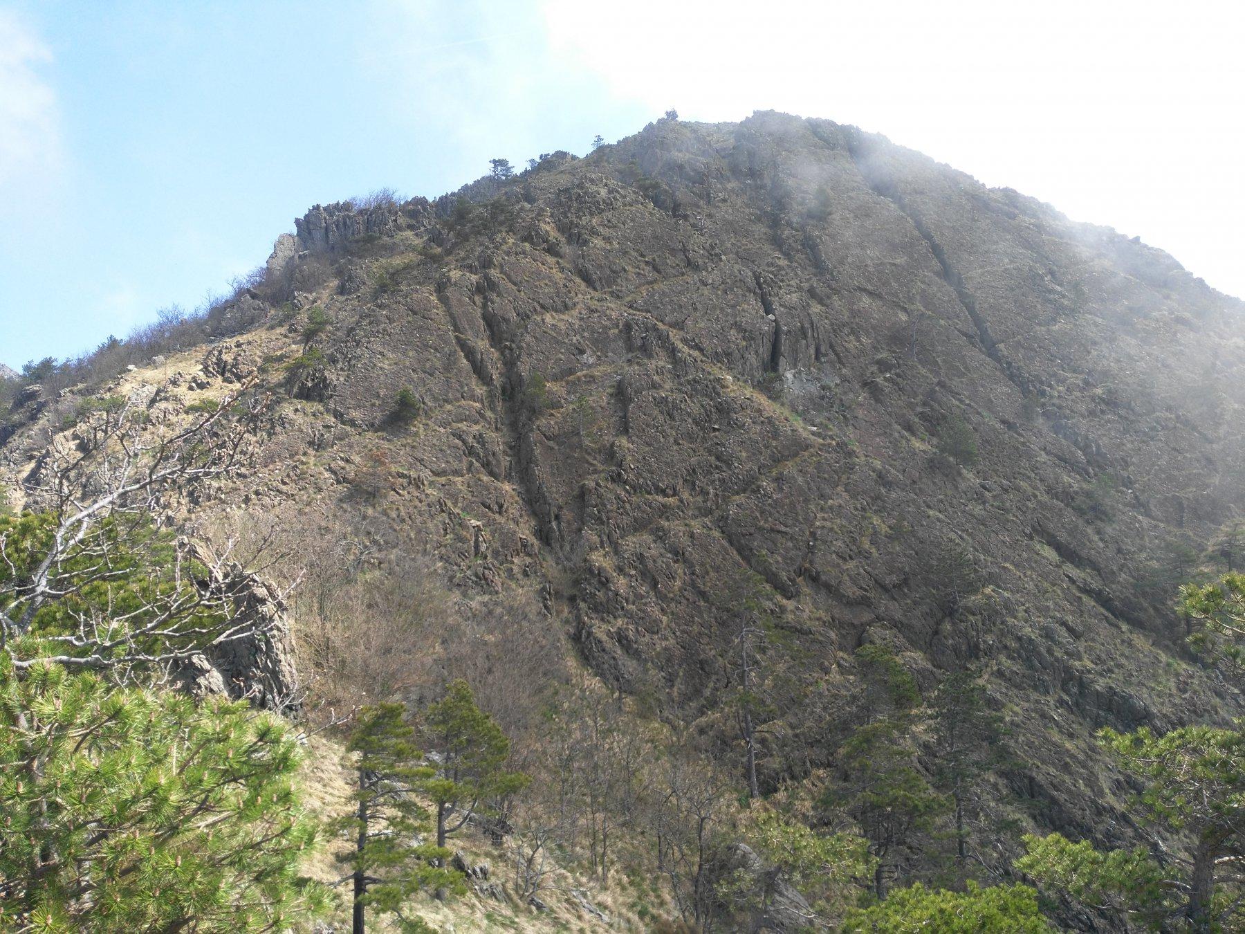 Rocca Turchina si sale tutto sulla sx