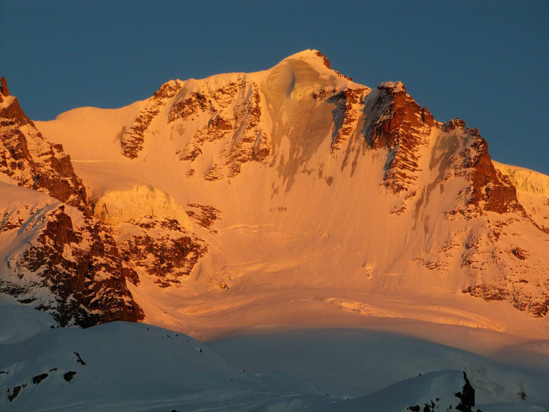 Tramonto sulla nord ghiacciatissima del Granpa
