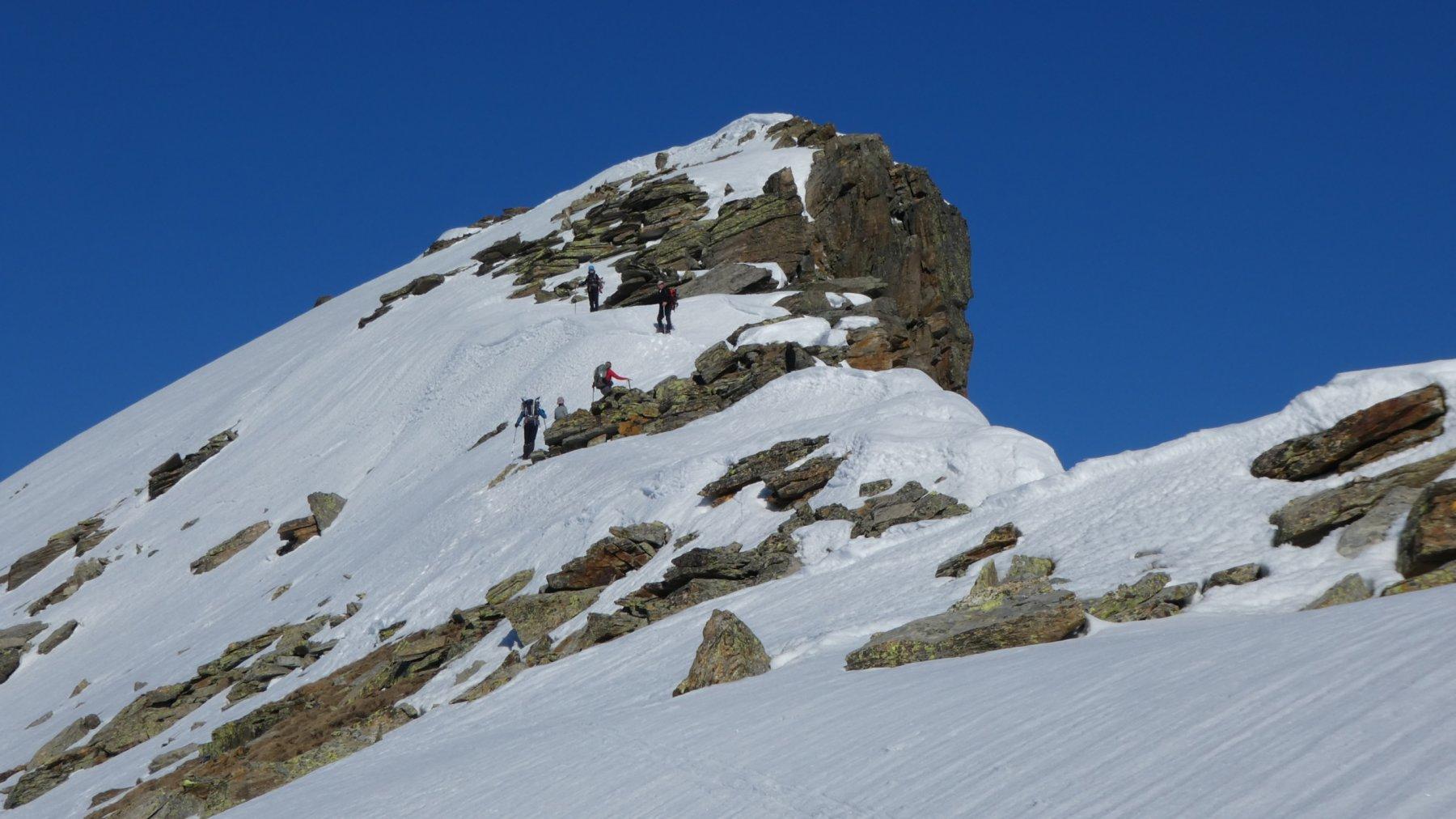 la parte finale della cresta a breve distanza dalla cima