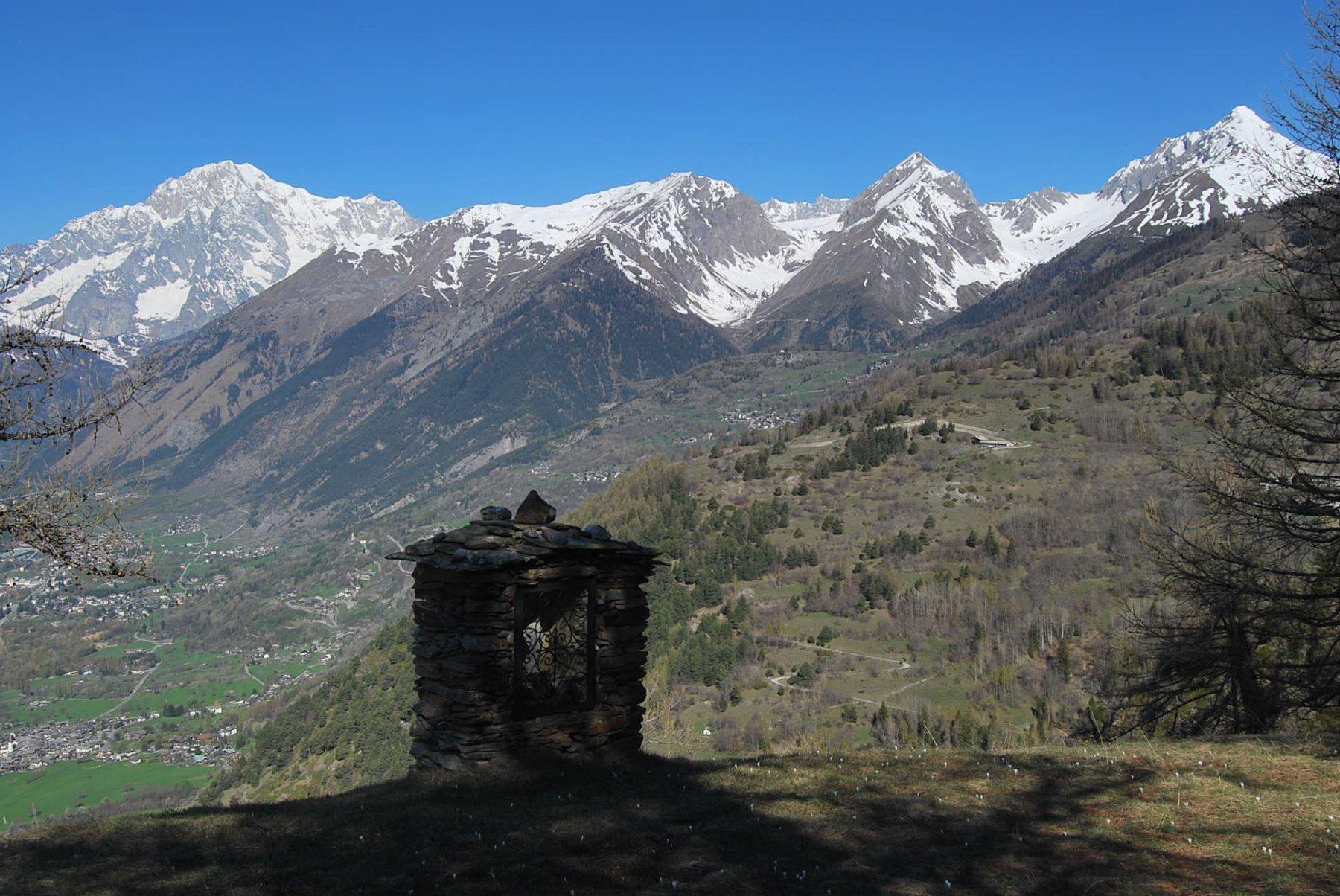 Sul pianoro a Montagnoulaz, con vista dal Bianco alla Grande Rochere