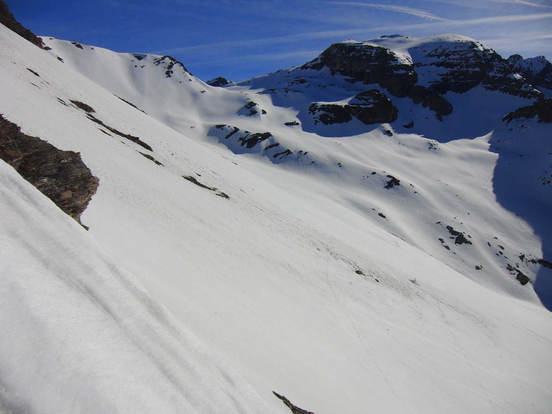 Dalla dorsale sguardo al Col d'Etache e Gros Peyron