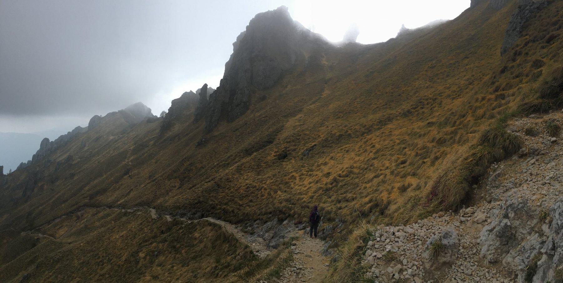 Discesa per il sentiero Foppe, non poco lontano dal Rosalba