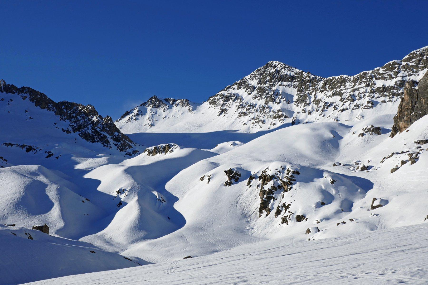 La cima Sebolet vista dal pianoro Traversan