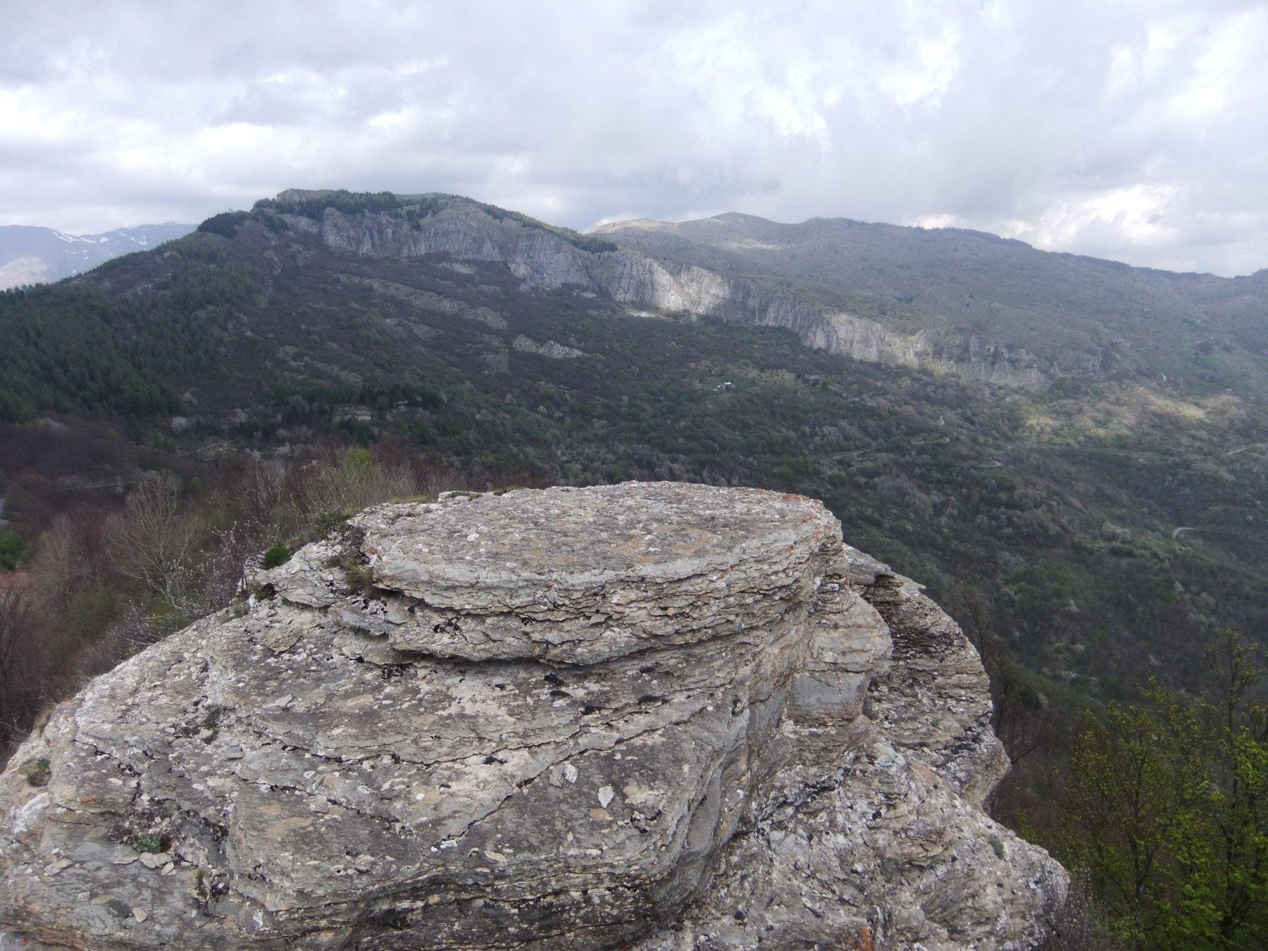 Dalla cima nord della Rocca delle Penne