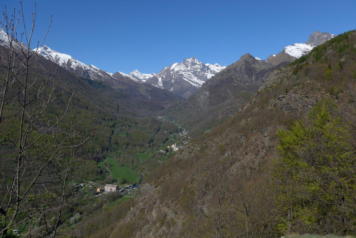 Grande panorama sulla val di Viù