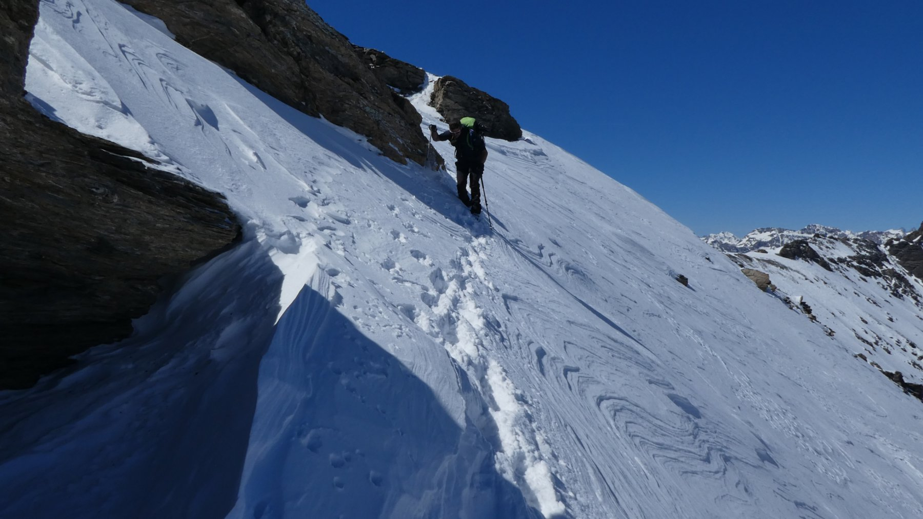 traversando in cresta verso il colletto di quota 2970 m