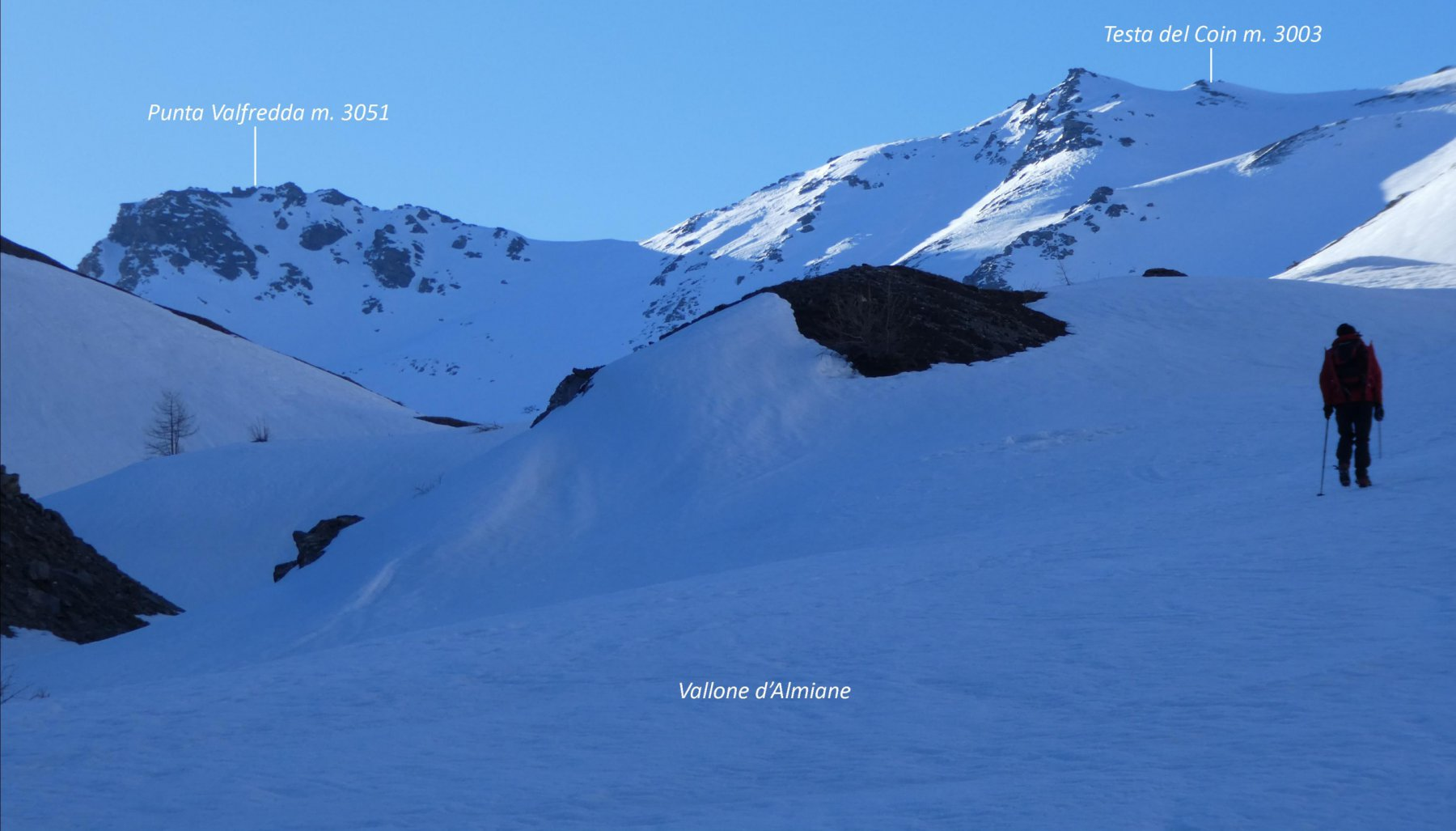 primo sguardo sulle nostre due mete da quota 2300 m nel Vallone d'Almiane