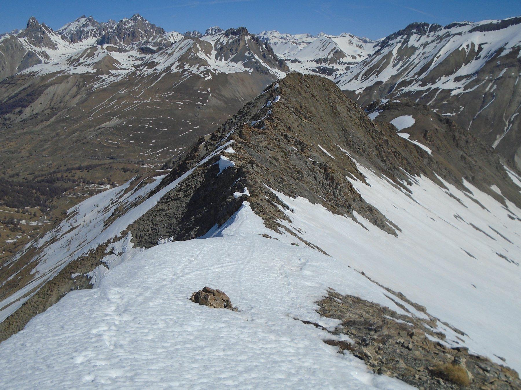 Sguardo indietro su P. Vallonetto e cresta percorsa