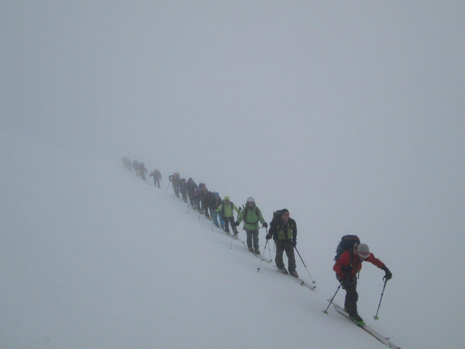 salendo nella nebbia