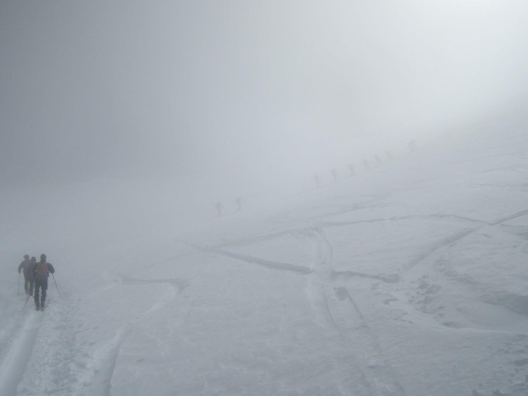 Sul ghiacciaio di Homattu nella nebbia