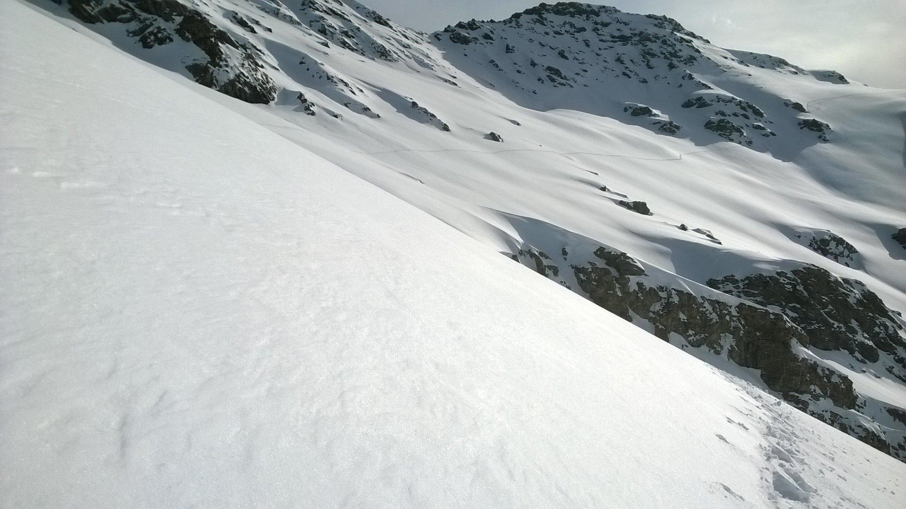 la traccia dal colle Camosciere verso il Colle dell'Agnello