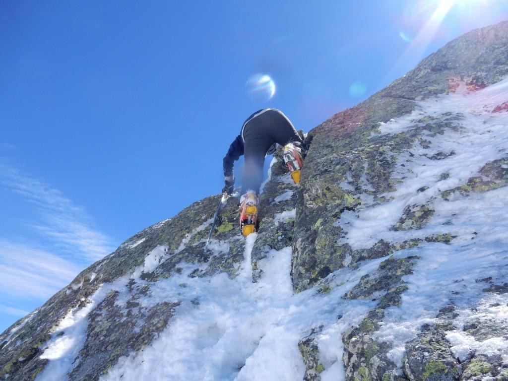 uno dei passaggi difficili per raggiungere la cima.