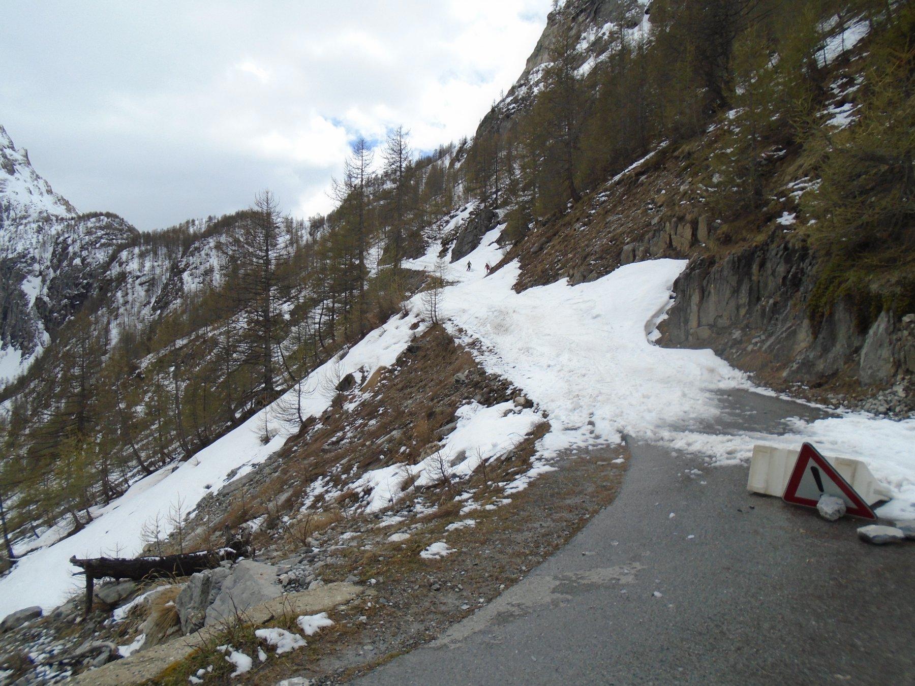 Inizio/fine neve dal tornante a circa 1900m