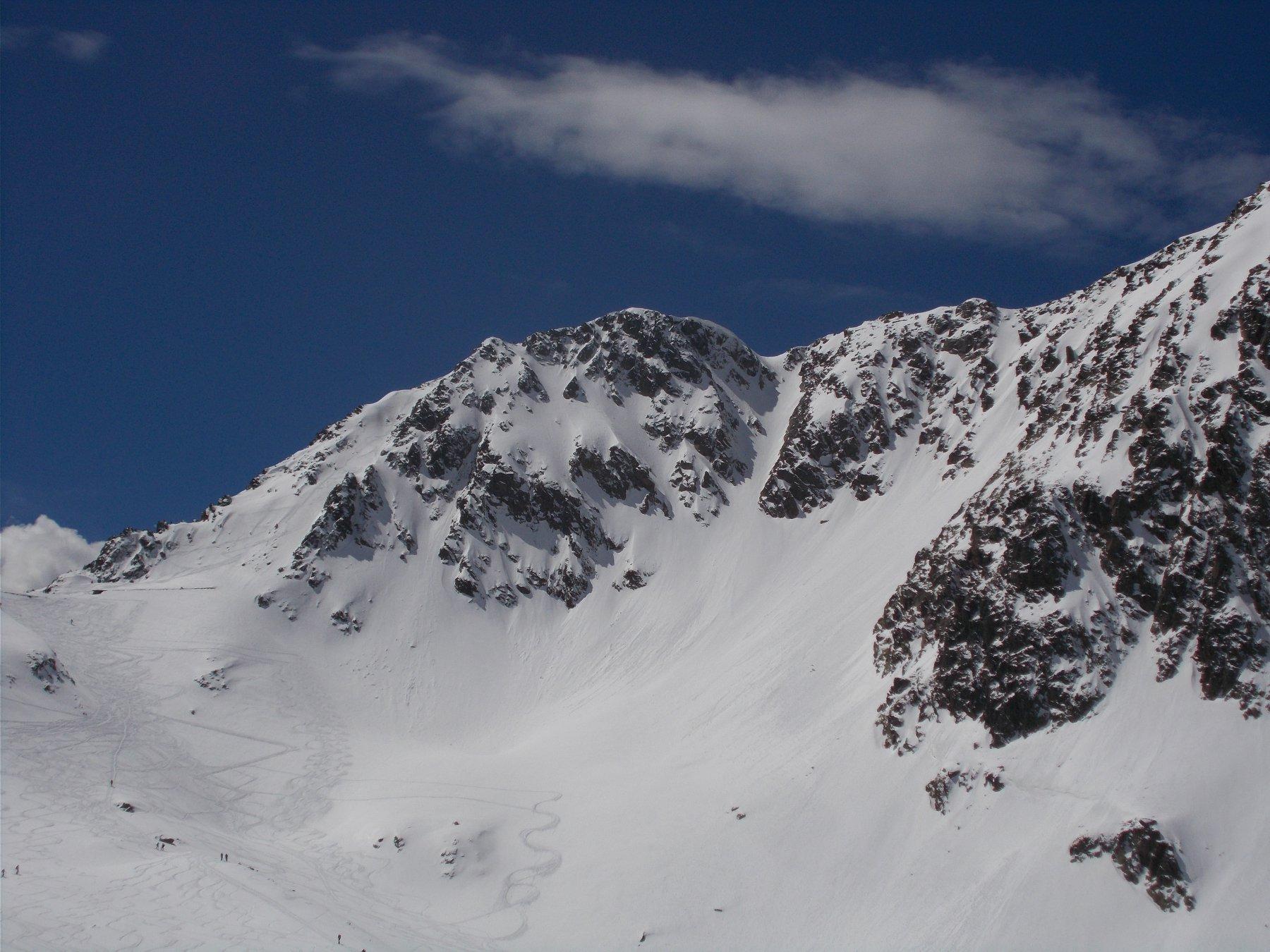 Ciriegia (Cima di) crestone NO quota 2521 m Canale NO 2017-05-07