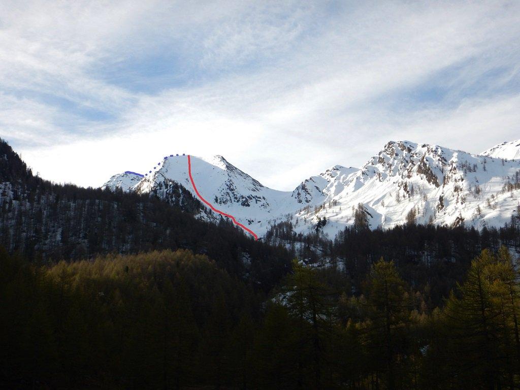 A sx.(blu) la cima Peigrò, al centro la discesa NO