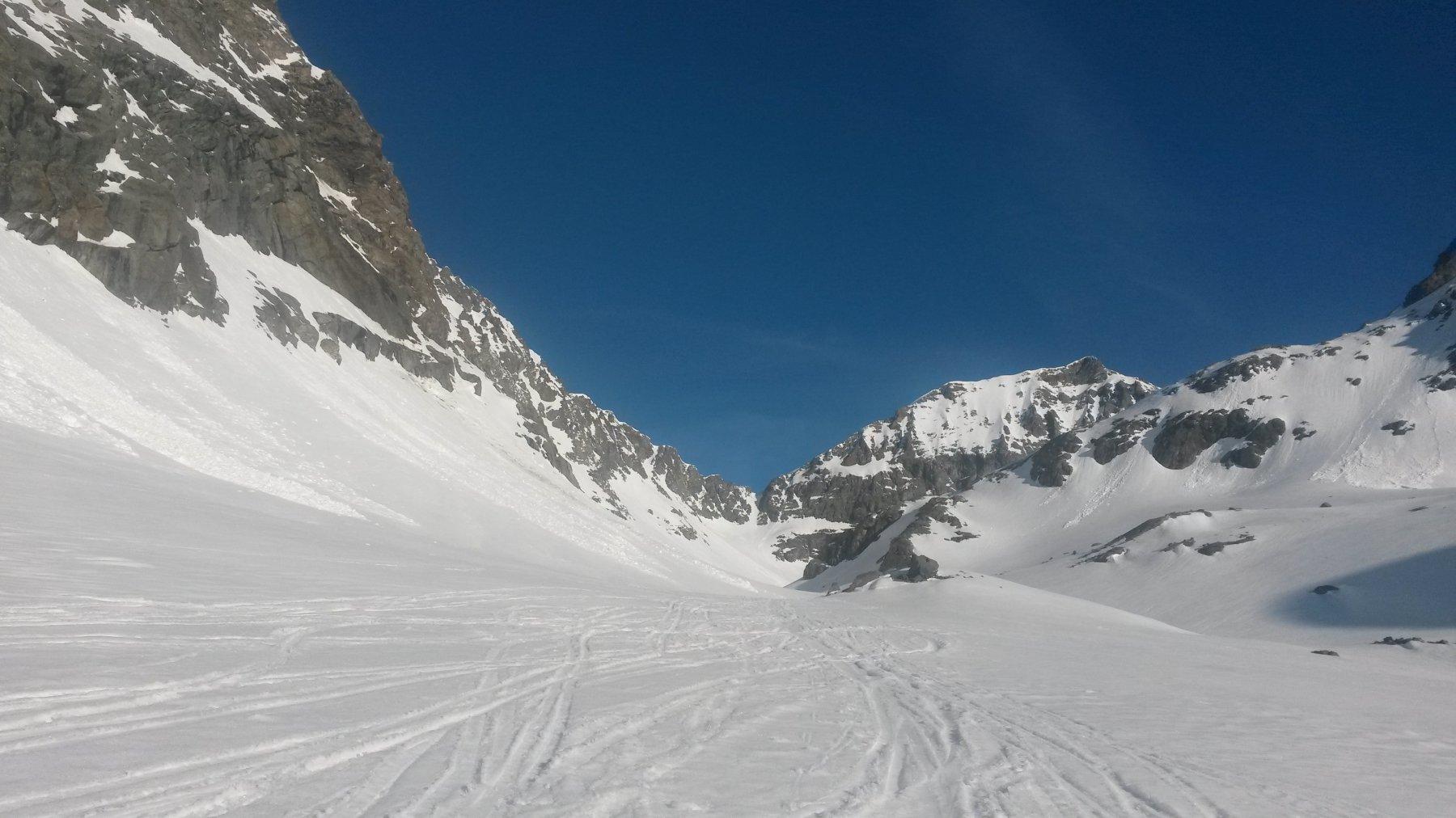 Verso il pian del Gias - in fondo si vede il Passage du Collerin e, sulla destra, l'omonima punta (meta della gita descritta)