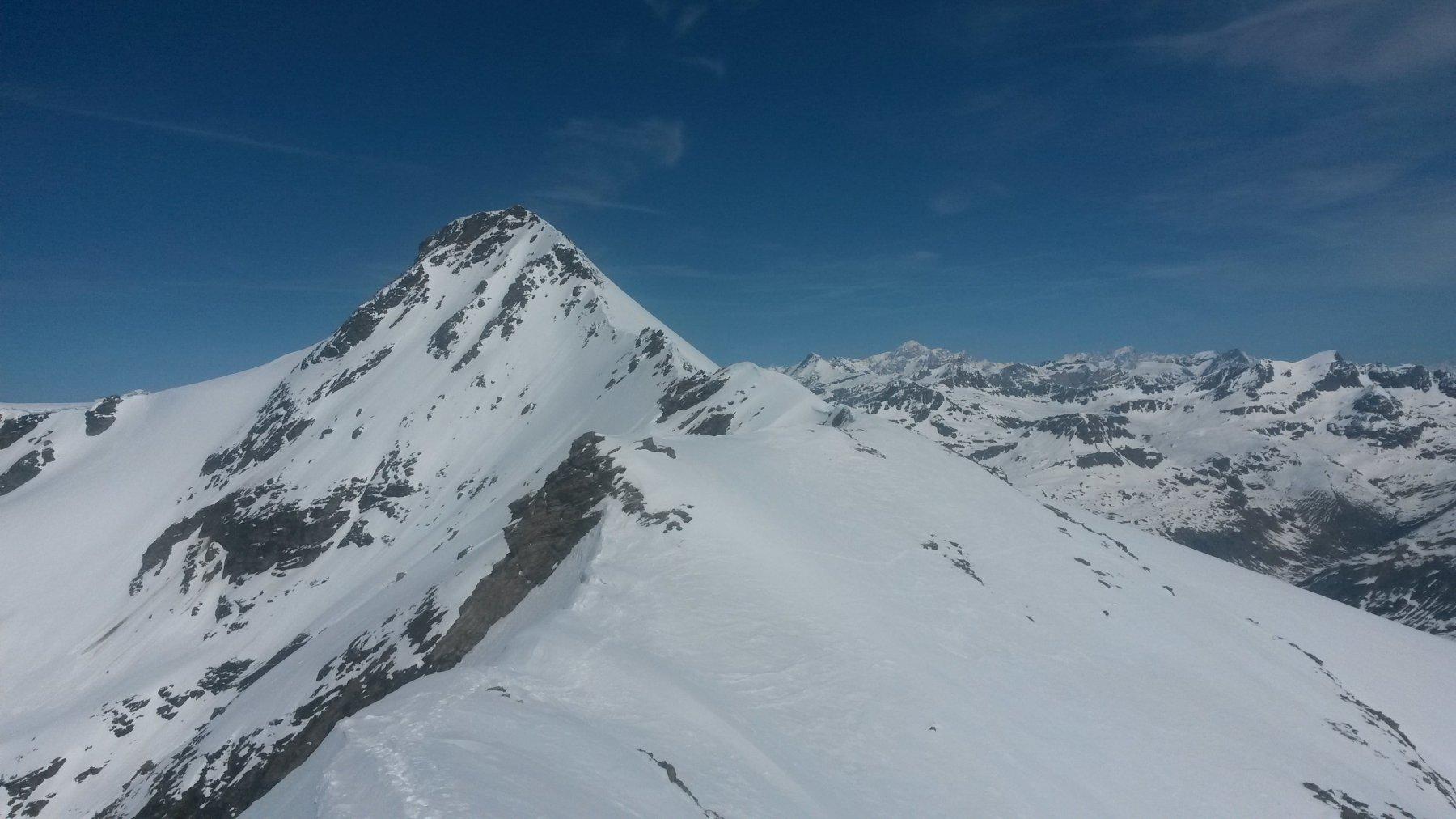 Albaron di Savoia in primo piano e Monte Bianco sullo sfondo