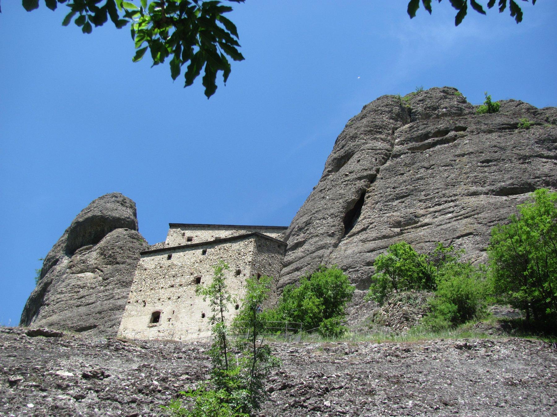 il castello visto dal basso