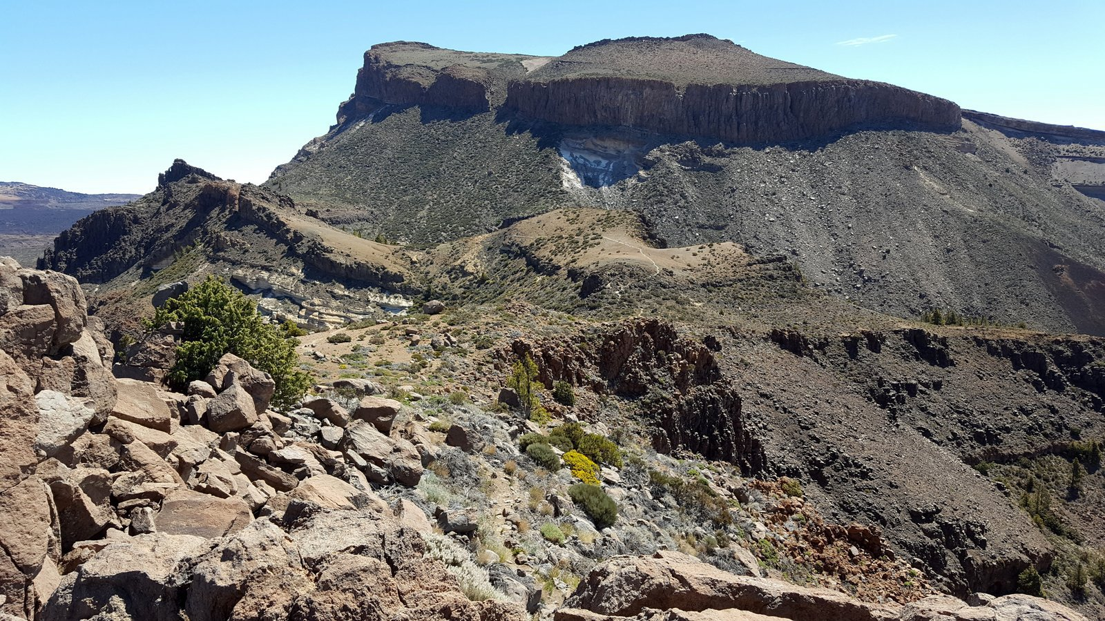 Guajara (Alto de) e Montana Pasajiron da Cañada Blanca, anello per Degollada Ucanca e Degollada de Guajara 2017-05-21