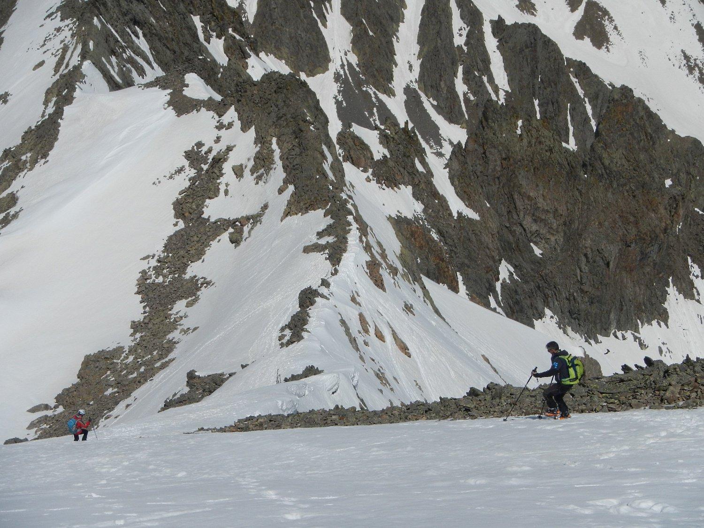discesa verso il colletto a quota 2850 m.