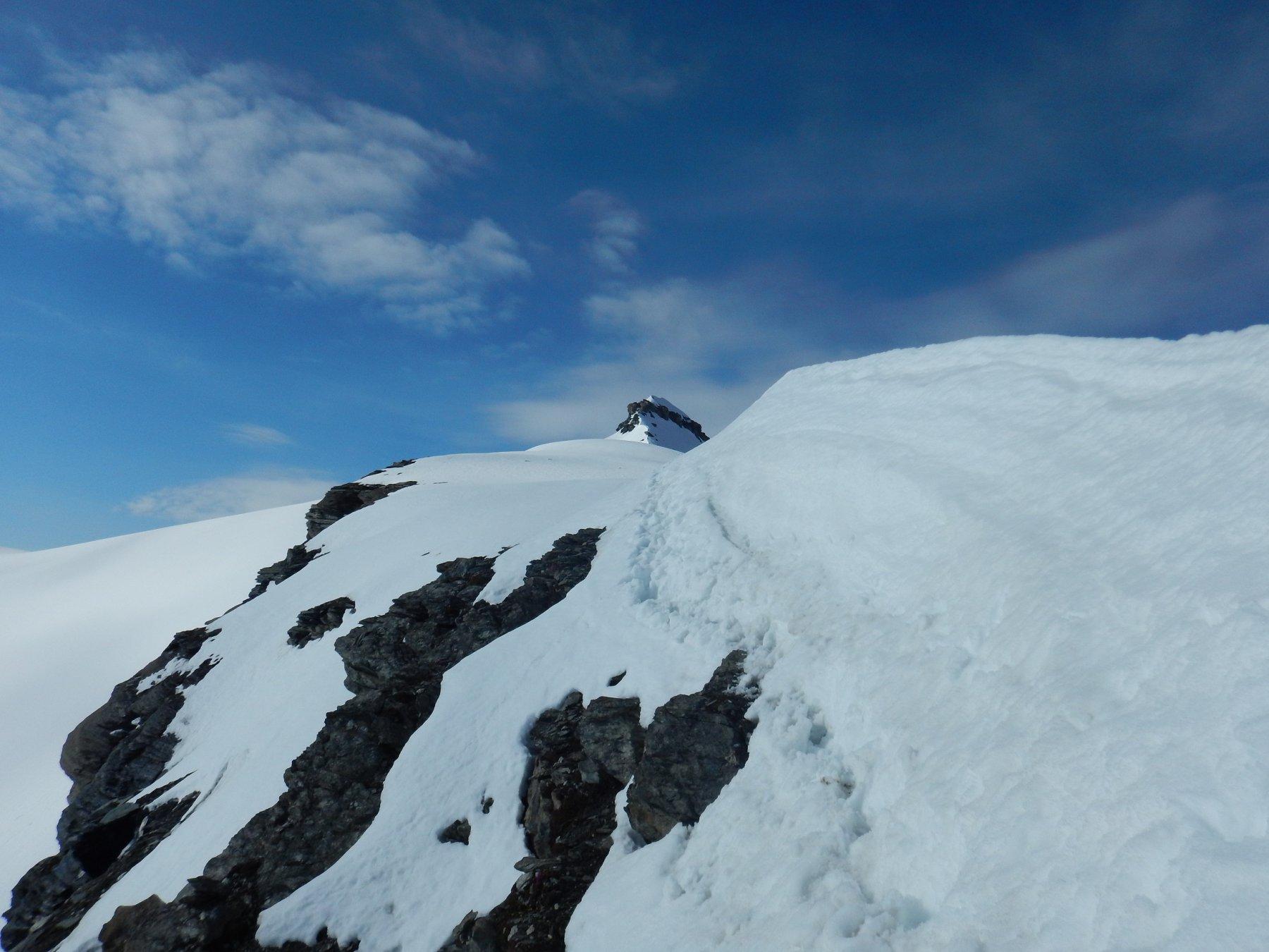 neve marcia sulla cresta