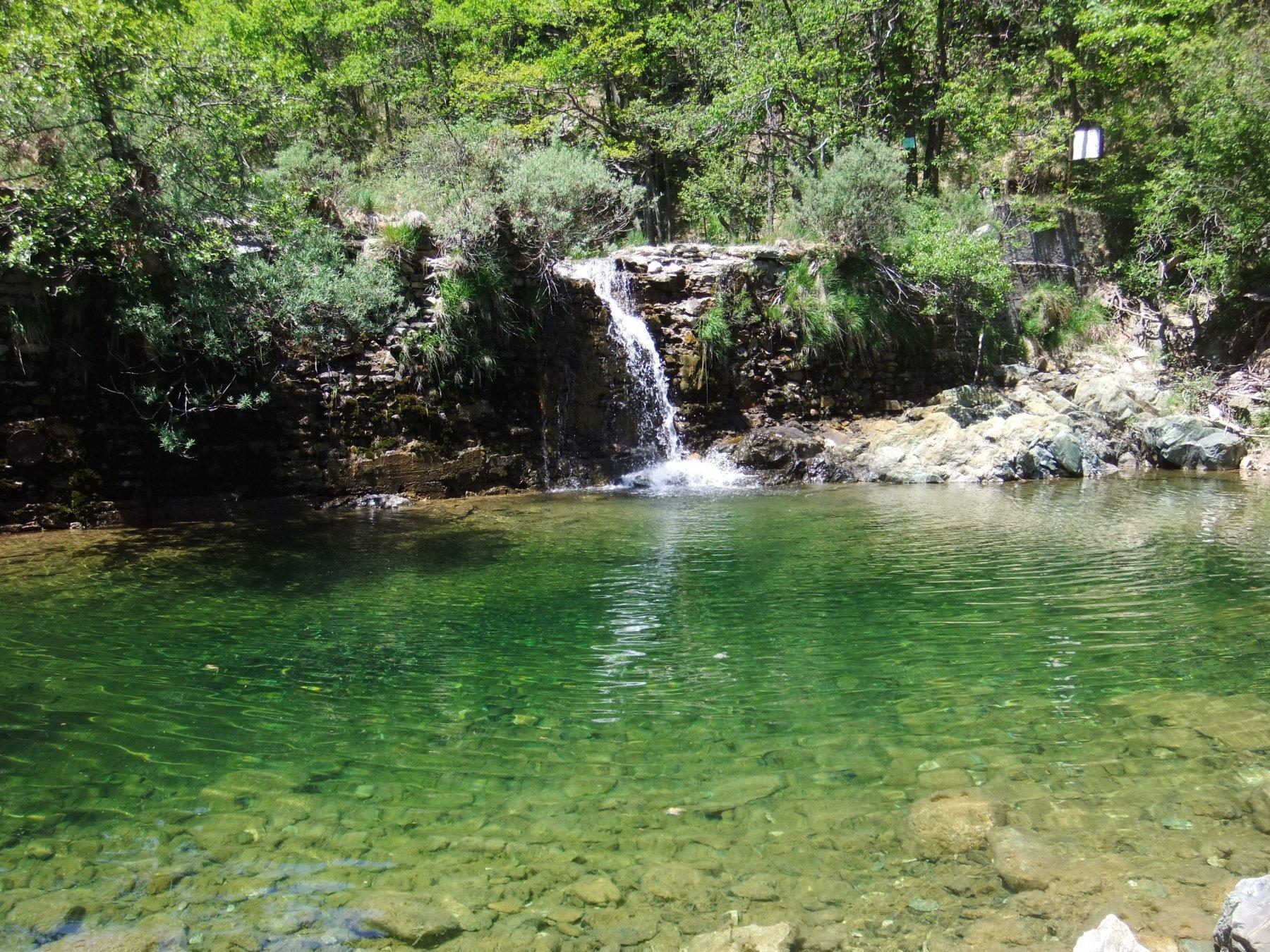 Cascatella  al Lago Lungo