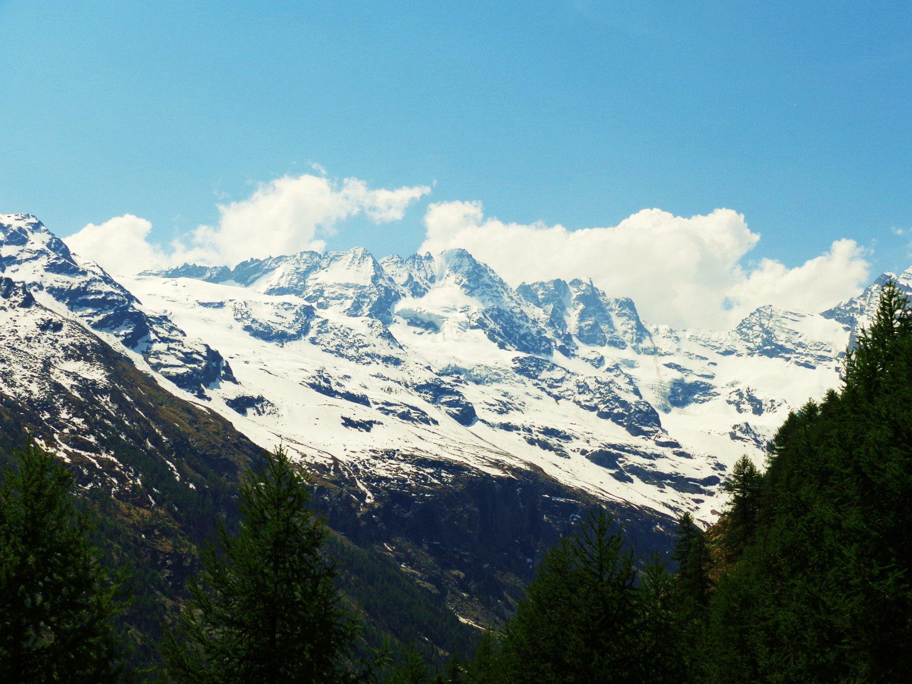 Panorama verso Alpe Money, Gli Apostoli e Roccia Viva