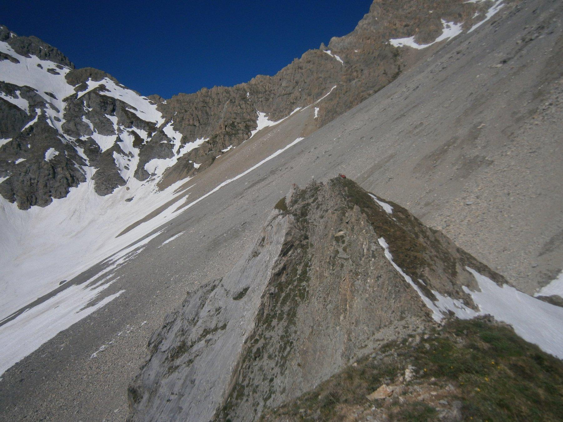 La vetta massima dalla cima rocciosa