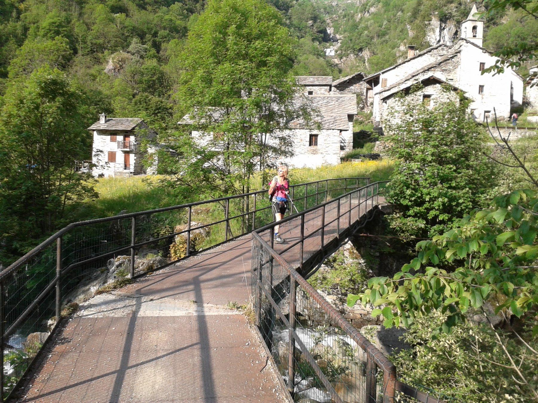 attraversare il ponte di Tallorno