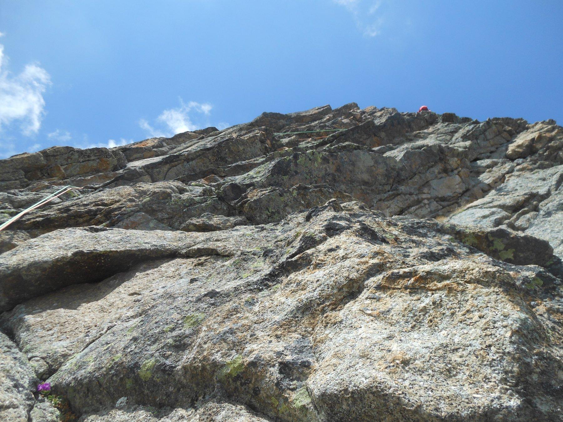 sistema di cenge e muretti per la fine, ottima roccia