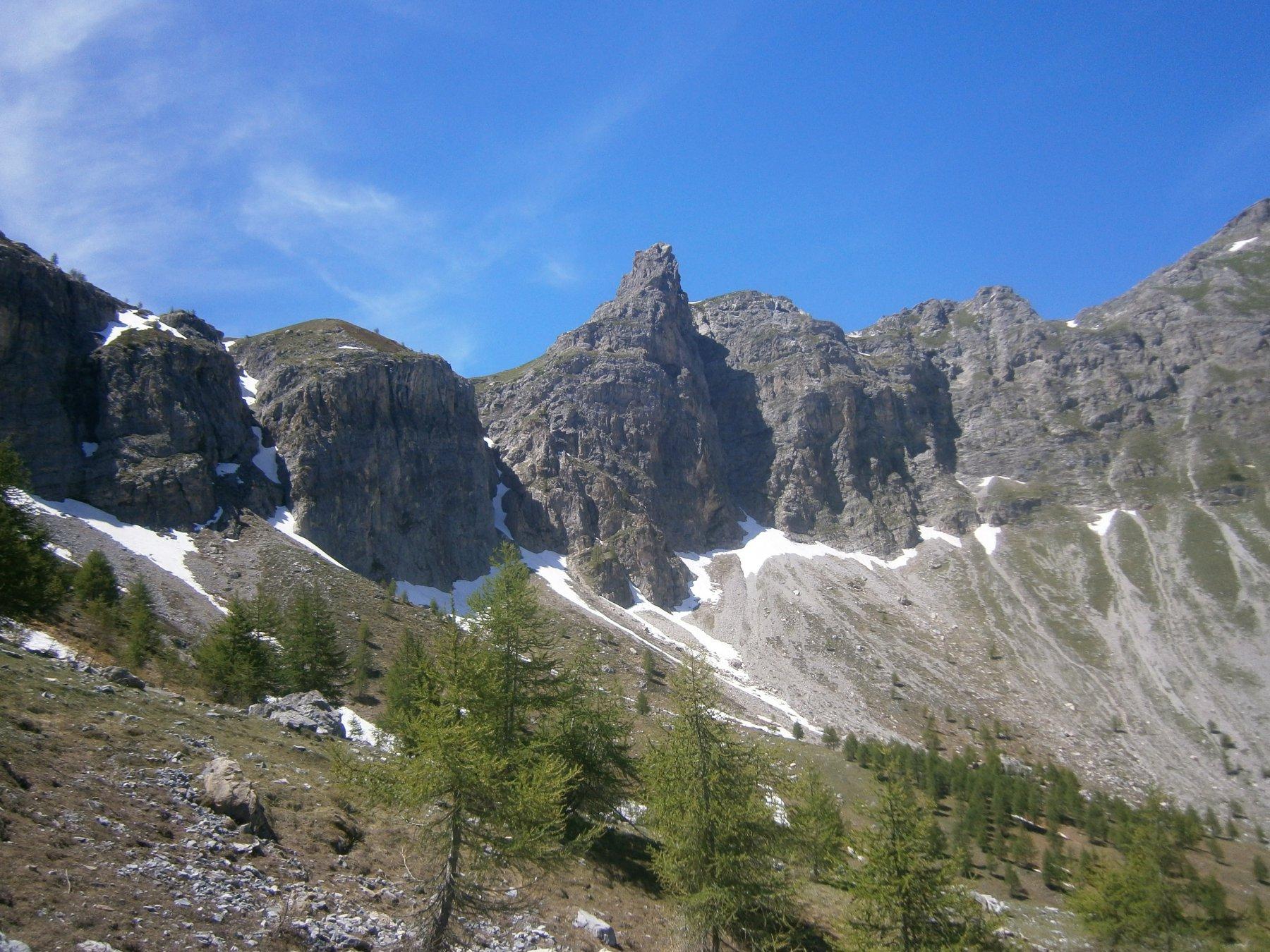 l centro, la guglia di roccia Longia