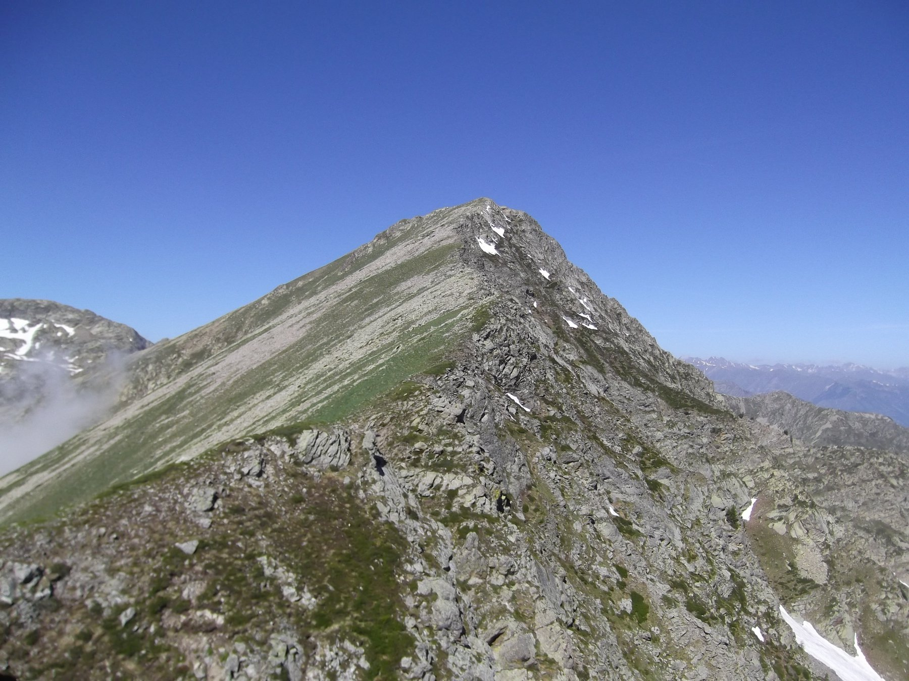 Rocca del Ciapous dall'omonimo passo.