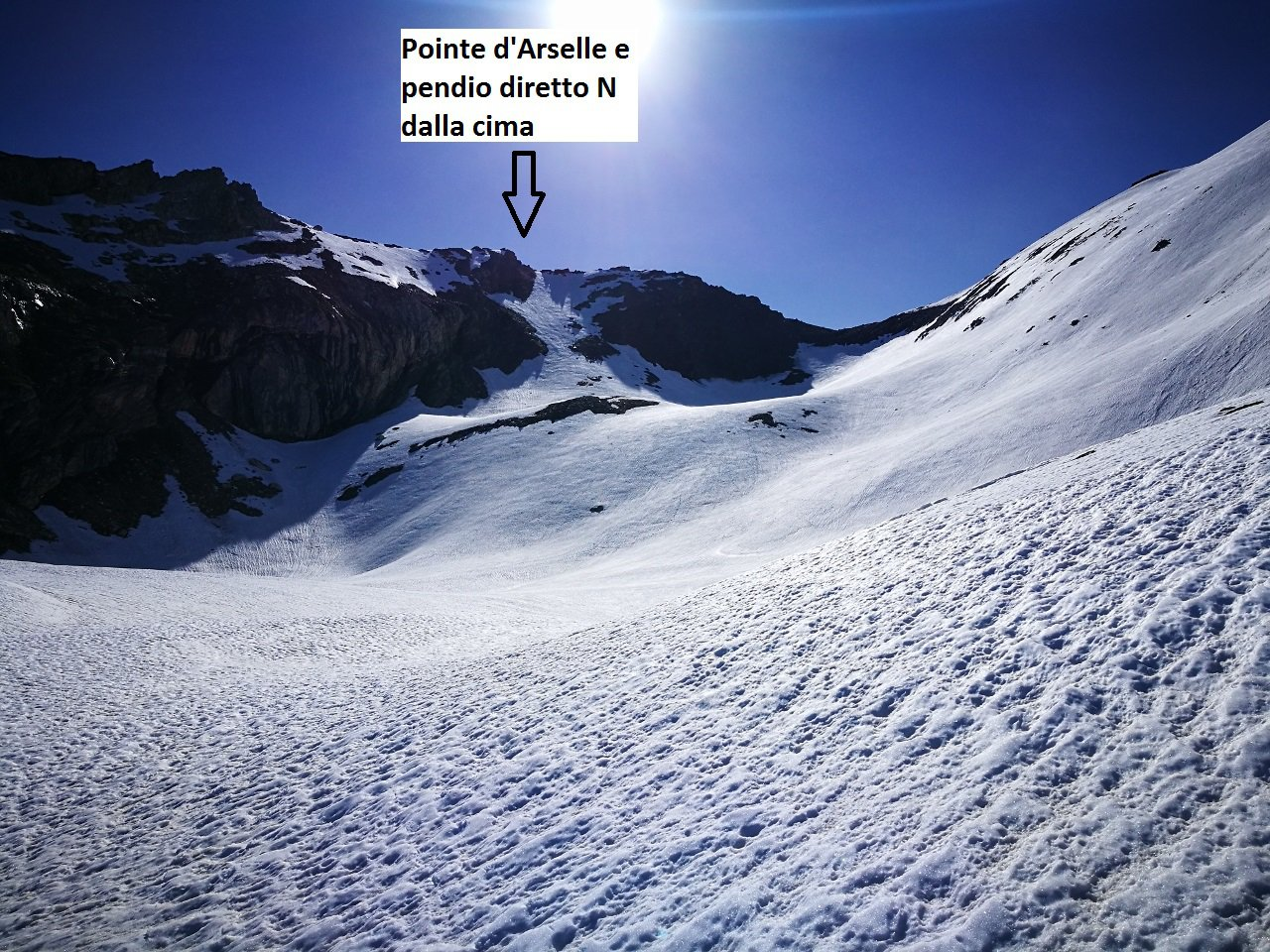 01 - pendio N di discesa dalla Pointe d'Arselle, 35 gradi sui 150m. iniziali