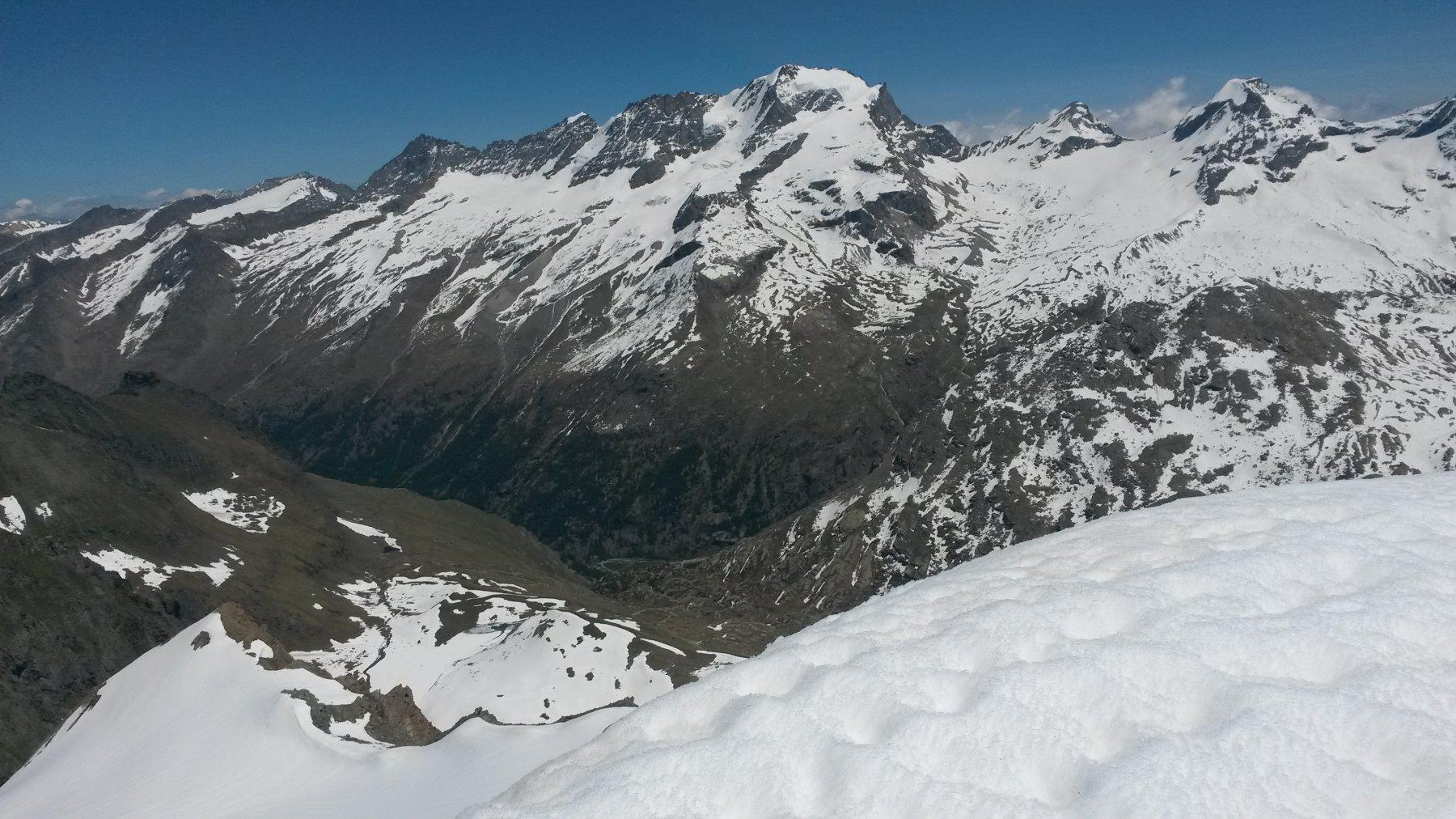 Valsavarenche e Gran Paradiso dalla cima