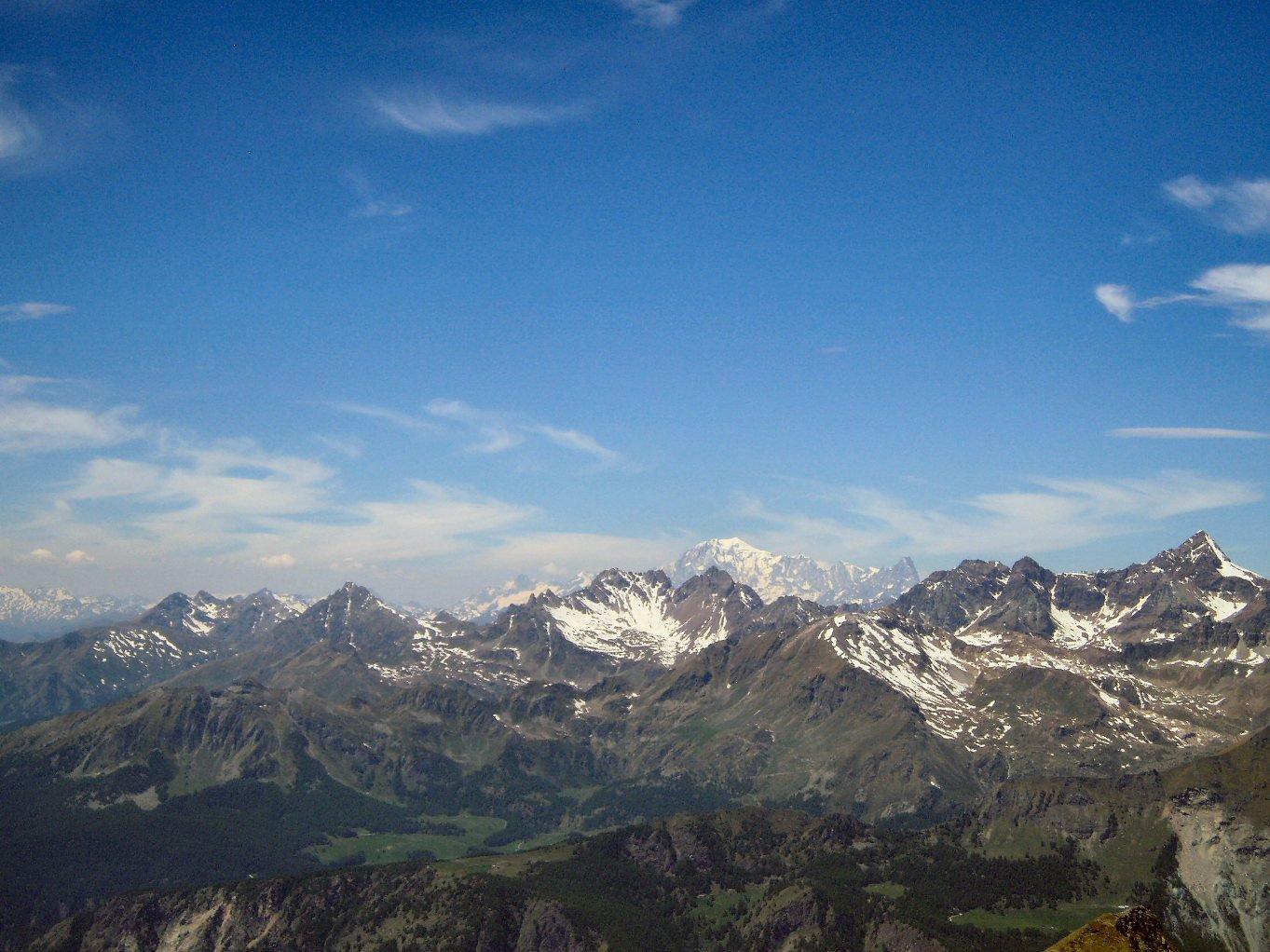 Panorama, e, lontano, Monte Bianco.