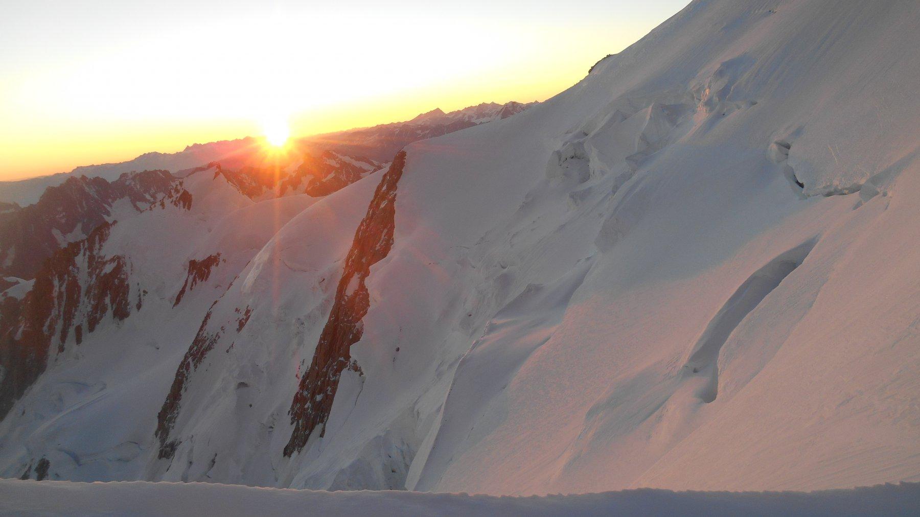Alba rosa sui ghiacciai del Bianco