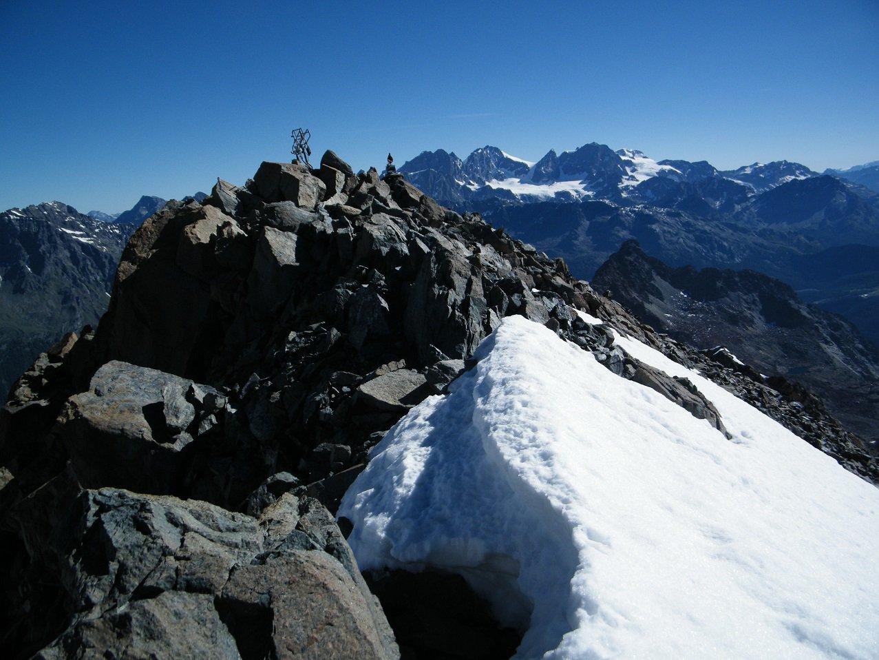 In vetta con il Bernina sullo sfondo.