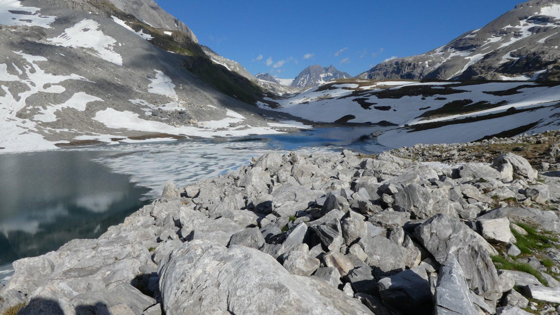 passando dal secondo lago di giornata : Lac Long