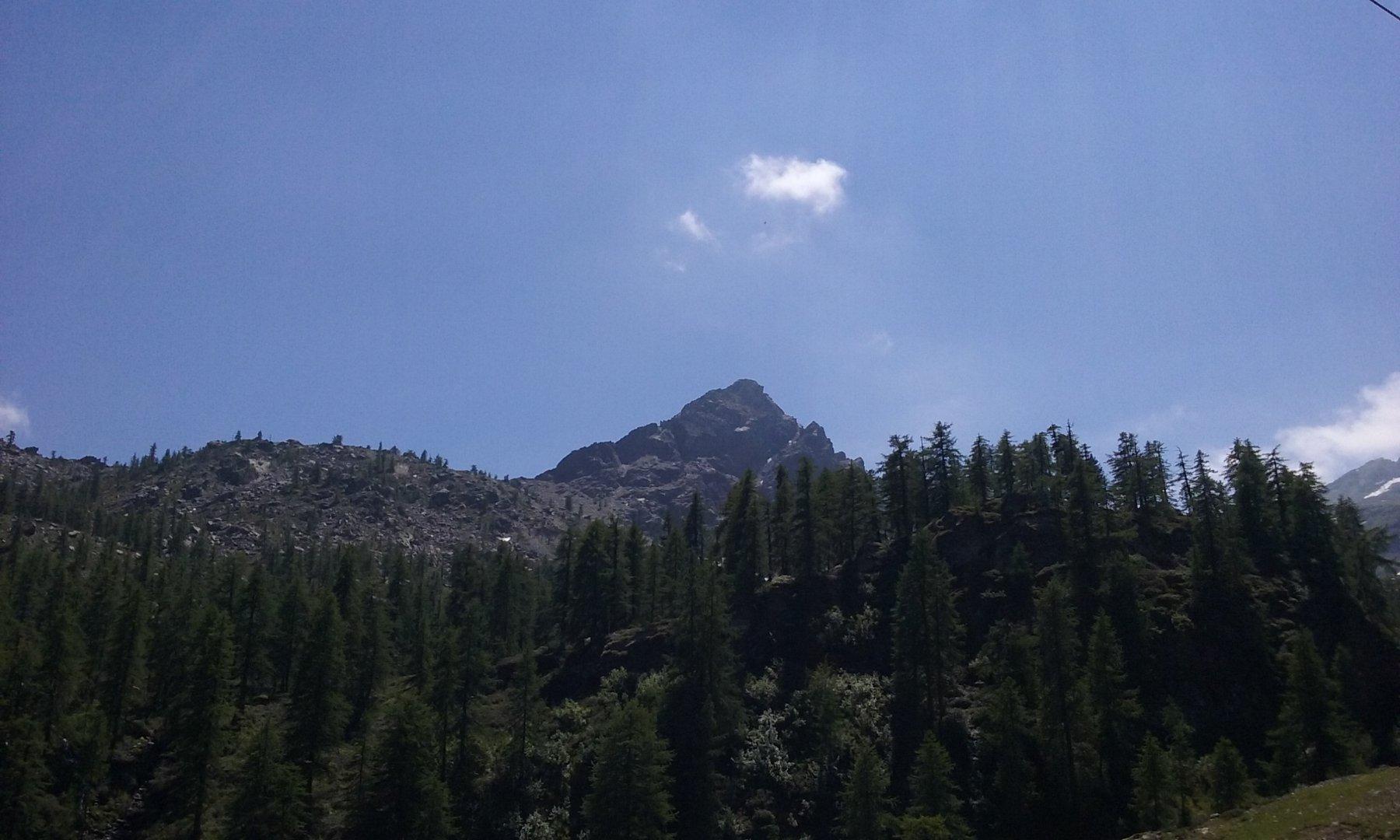 Il Bec Laris dal versante di Champorcher