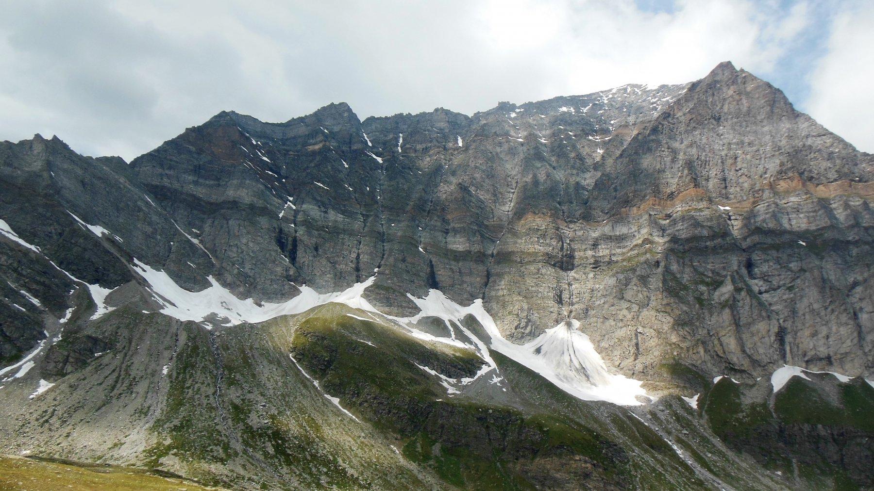Monte Leone, geologia a cielo aperto.