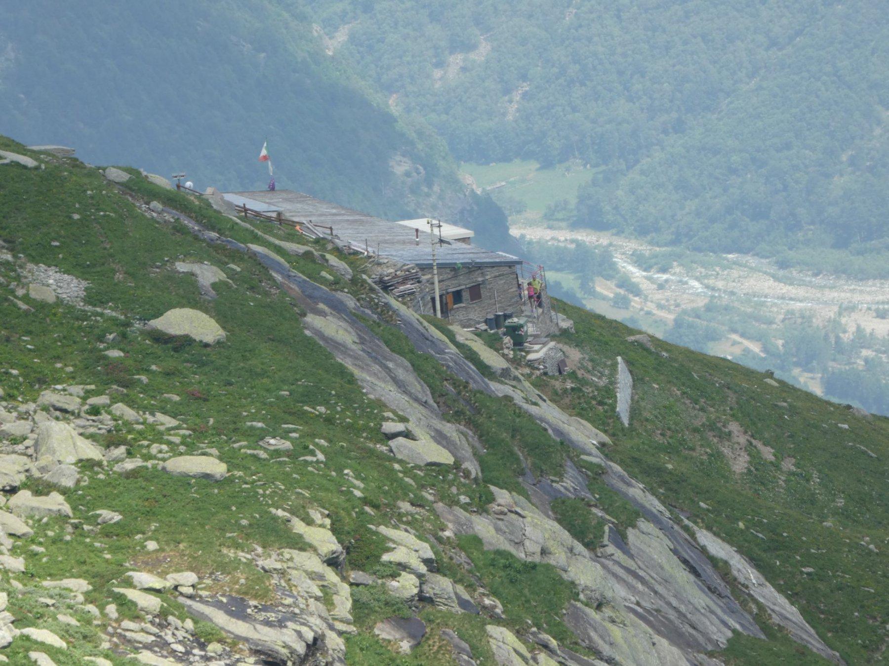 rifugio Daviso visto dalla parete della Morena