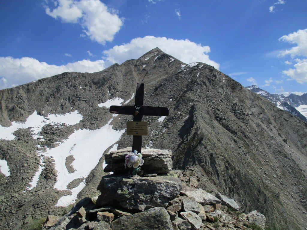 la croce della Loie con dietro la Rossin