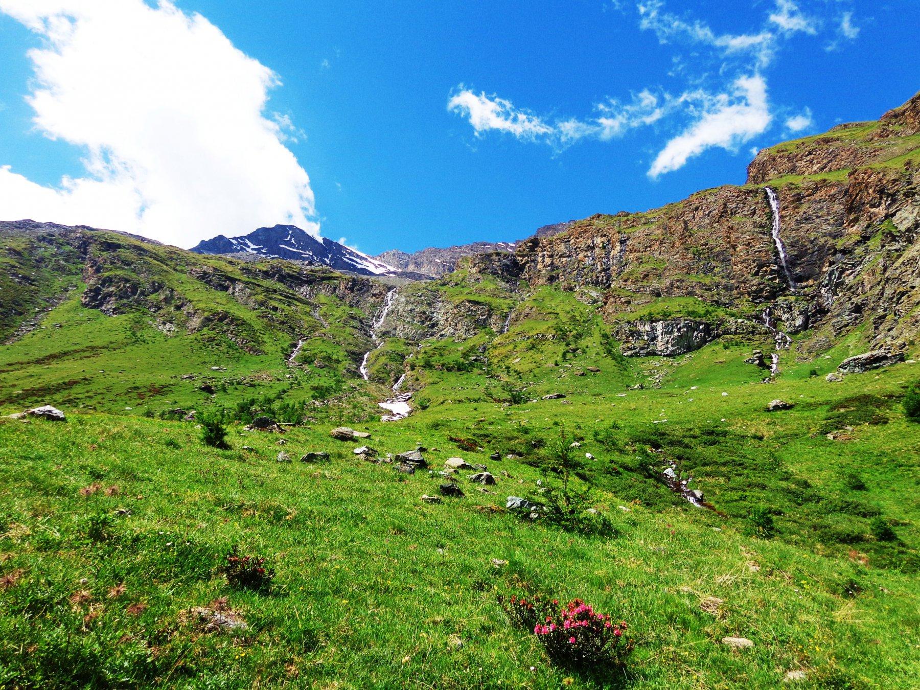 Cascate e Punta Tersiva a sinistra